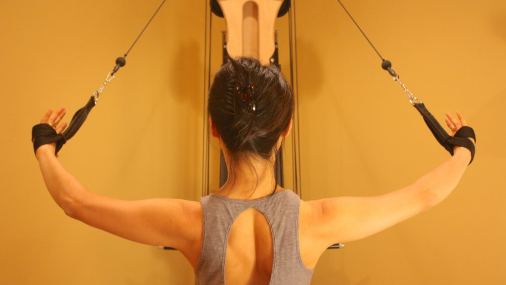 A Certified Gyrotonic Instructor demonstrates the back strength you can develop by doing just 1 to 2 training sessions per week.