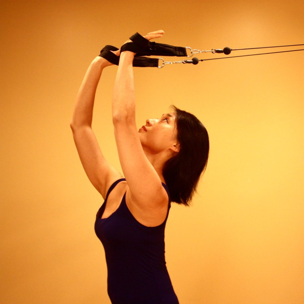 This multi-joint movement with the Pully Tower Maching cultivate arm strength and shoulder flexibility at the same time.